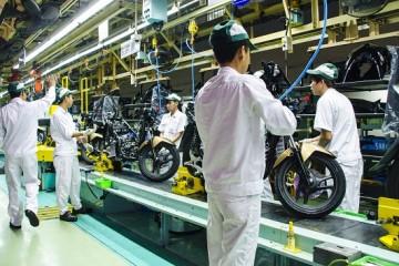Tuyển gấp nam lao động làm sản xuất linh kiện oto- xe máy tại Khu Vĩnh Khang -  Đài Nam